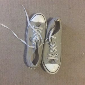 Gray converse low rise ankle sneakers